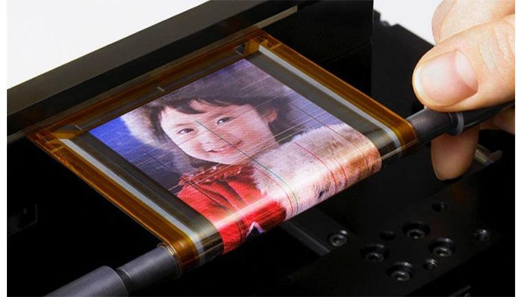 Sony siapkan smartphone yang bisa digulung. (Sumber foto: ZDNet.com)