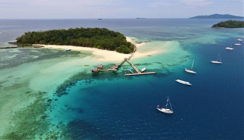 Pulau Saronde di perairan utara Gorontalo yang ramai dikunjungi wisatawan(Foto Mia Amalia)