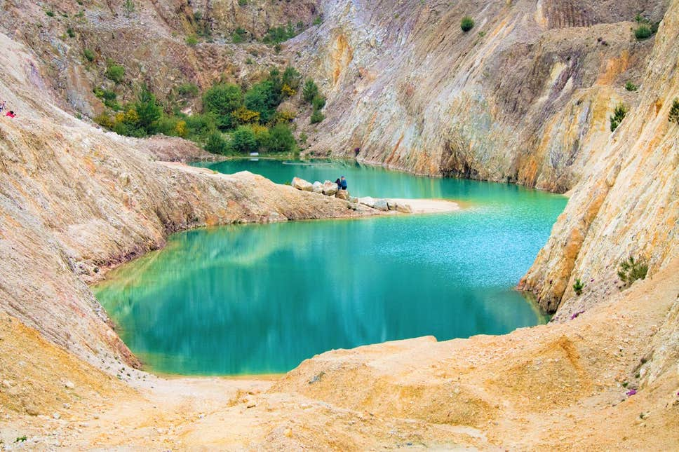 Danau beracun Monte Neme dan berada di wilayah Galicia, Spanyol. (Foto: independent.co.uk)