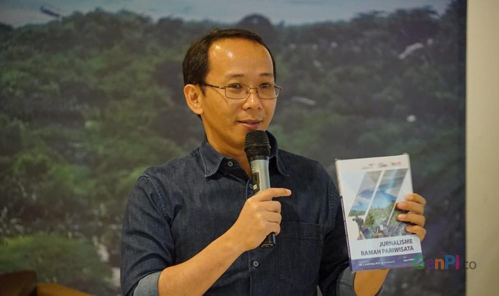 Agus Sudibyo, penulis buku Jurnalisme Ramah Pariwisata.