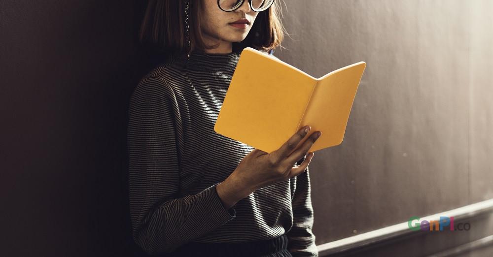 Era digital membuat penjual buku juga beralih ke marketplace online.