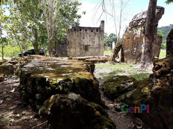 Reruntuhan Benteng Maas di Kabupaten Gorontalo Utara yang saat ini diteliti oleh Balai Arkeologi Sulawesi Utara.