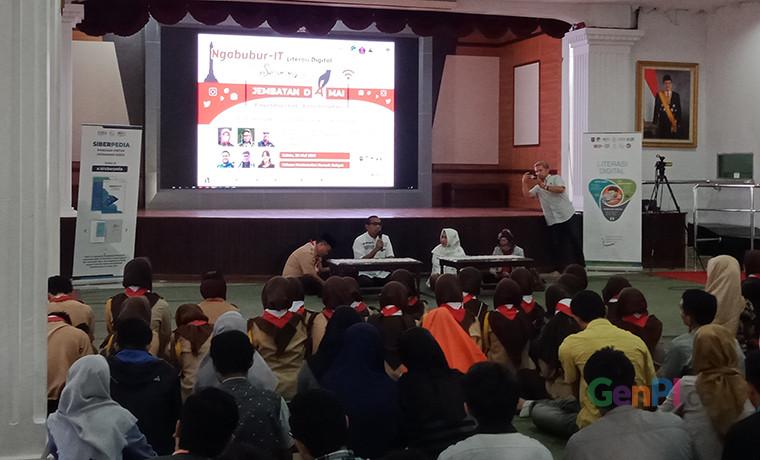 Kemkominfo Ngobrol Bareng Milenial di Ngabubur-IT, di Wisma Perdamaian, Semarang (Sumber foto: GenPI.co / Ariyanto)