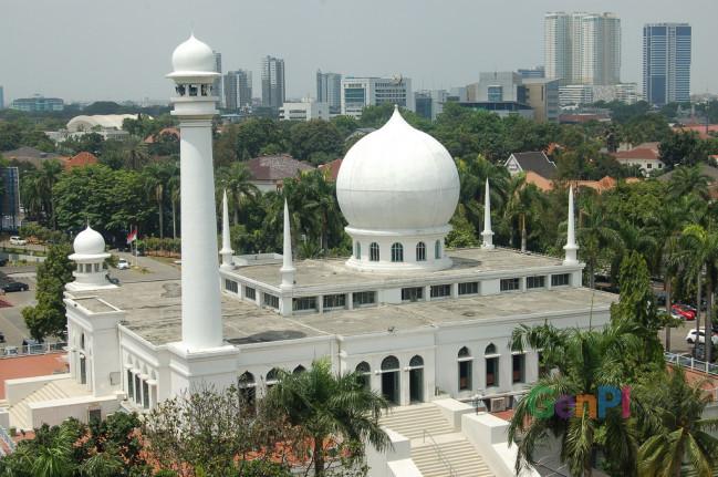 Sin Syamsudin jadi khatib Salat Ied di masjid Al Azhar, Jakarta.