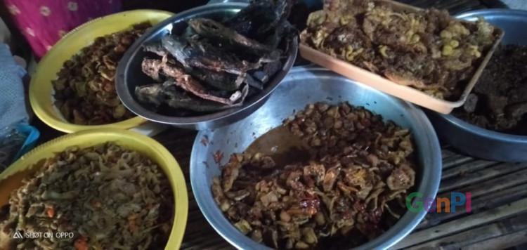 Sajian olahan khas pawon (dapur) di Warung Mak Martumi
