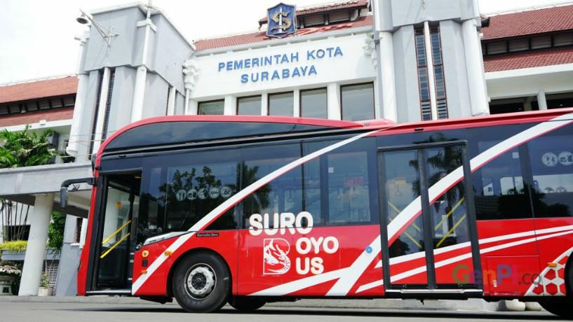 Suroboyo Bus di Surabaya, bayarnya pakai botol bekas (Foto : Istimewa)