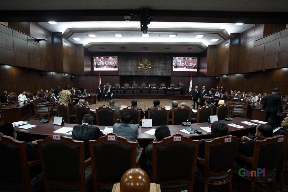 Sidang putusan sidang MK terkait sengketa pemilu 2019.